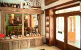 Mobila De Bucatarie Contemporan - mobilier de bucatarie din stejar stratificat cu elemente de lemn recuperat