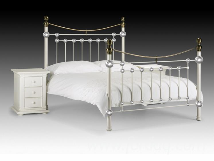 Stainless-Steel-Bedroom