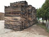 Laubholz  Blockware, Unbesäumtes Holz Zu Verkaufen - Loseware, Buche