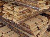 Vea Proveedores Y Compradores De Tableros De Madera - Fordaq - Venta Tablones No Canteados (Loseware) Pino Silvestre  - Madera Roja 20-200 mm