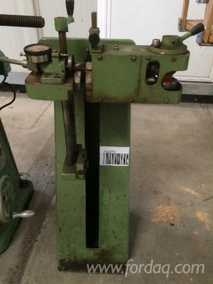 Sharpening-machine-for-circular-saw
