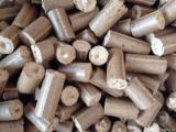 Energie- und Feuerholz - Kiefer  - Föhre Holzbriketts