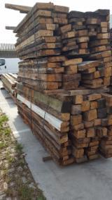 Hardwood Timber - Sawn Timber   Italy - Fordaq Online market - Reclaimed Old Oak Beams