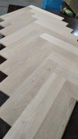 Find best timber supplies on Fordaq - CHINA JINLIN FLOORING CO., LIMITED - Oak Herringbone Flooring 15 mm