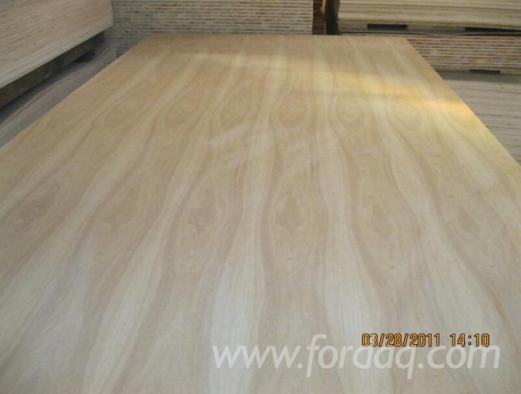 Birch-Veneered-Plywood-with-Poplar-Core