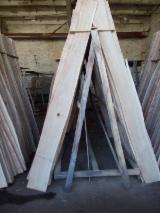 Laubschnittholz, Besäumtes Holz, Hobelware  Zu Verkaufen Ukraine - EICHENDECKLAMELLEM einseitig besäumt, KD 6-9%