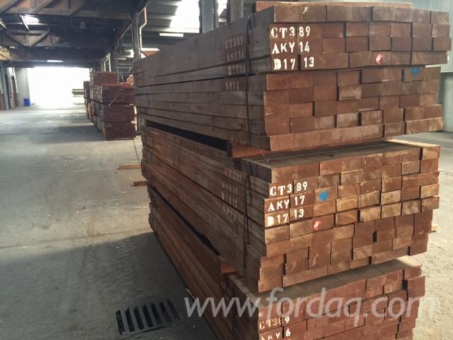 Sipo-sawn-timber