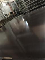 Fourniture de produits bois - Vend Contreplaqué Filmé (Noir) 12/15/18 mm Vietnam