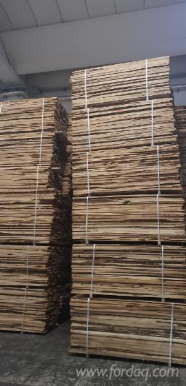FSC--KD-Unedged-Oak-Timber