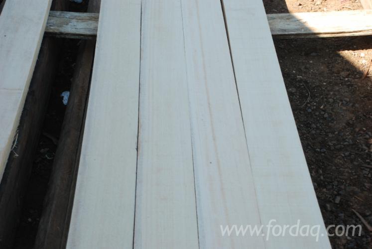 We-can-offer-KD-White-Meranti-sawn