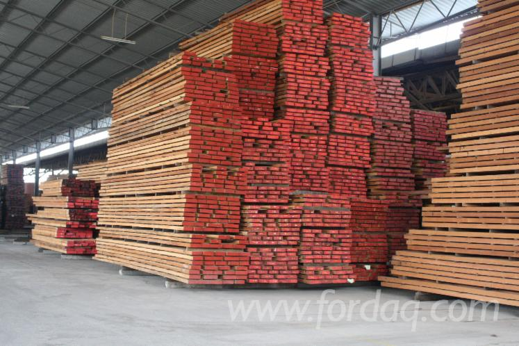 We-can-offer-KD-Dark-Red-Meranti-sawn