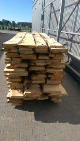 Hardwood  Unedged Timber - Flitches - Boules - Beech Loose Planks KD 26-50 mm