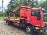 Oprema Za Šumu I Žetvu Kamion Za Prevoz Kraćih Stabala - Kamion Za Prevoz Kraćih Stabala Man Polovna 2000 Rumunija