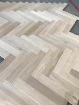 Herringbone Oak Engineered Flooring, 15 x 122 x 610 mm