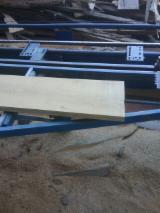 Laubschnittholz, Besäumtes Holz, Hobelware  Zu Verkaufen Russland - Bretter, Dielen, Eiche