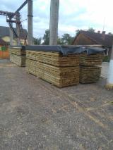 Nadelschnittholz, Besäumtes Holz Kiefer Pinus Sylvestris - Föhre - Bretter, Dielen, Kiefer  - Föhre, FSC