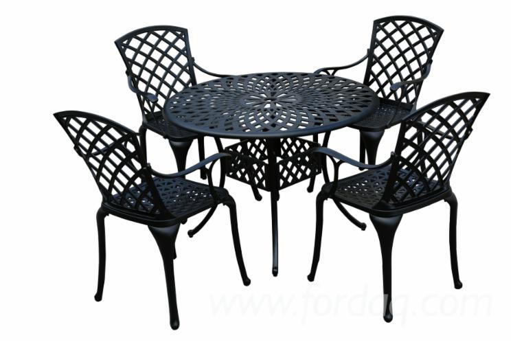 Aluminium-Garden-Set-with-Round