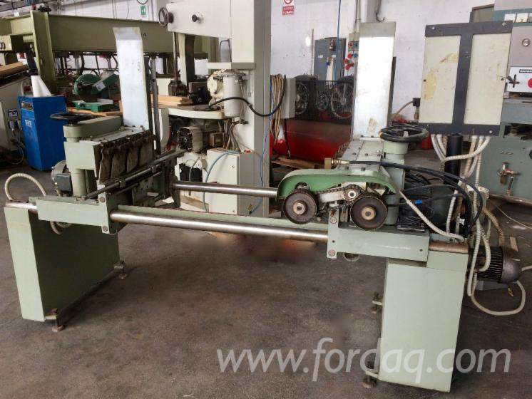 End-cut-off-and-loader-for-moulder-machine--brand-Friulmac