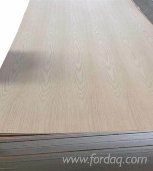 Red-oak-fancy-plywood-for-decoration-and-furniture