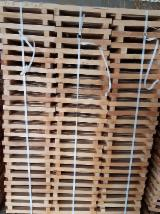 Slovakia Supplies - PEFC Fresh Beech Squares, 32 x 32 x 260-420 mm
