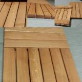 Decking per Esterni - Quadrotta in latifoglia 50x50