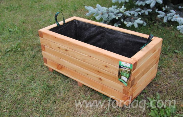 FSC-Larch--Flower-Pot---Planter-from