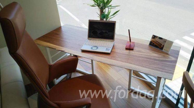 Scrivania Per Computer Design.Vendo Scrivania Tavolo Per Computer Design Legno Tropicale Latino