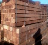 Laubholz  Blockware, Unbesäumtes Holz - Einseitig Besäumte Bretter, Iroko