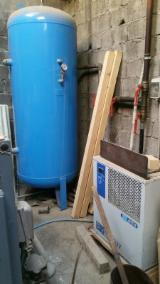Used 1990 ATLAS COPCO GA 208 Compressor with Dryer and Tank