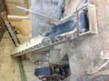 Maszyny do Obróbki Drewna dostawa - Rębarki (rębaki) I Maszyny Do Rozdrabniania Drewna Klöckner Używane Włochy