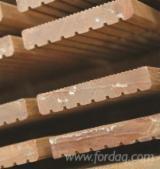 B2B 室外复合地板待售 - 上Fordaq采购或销售 - 平滑(重黄)娑罗双木, FSC, 防滑地板(双面)