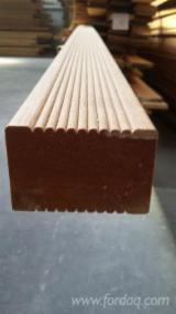 B2B 室外复合地板待售 - 上Fordaq采购或销售 - 平滑(重黄)娑罗双木, 防滑地板(双面)