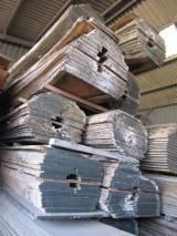 Laubholz  Blockware, Unbesäumtes Holz Zu Verkaufen Frankreich - Loseware, Iroko