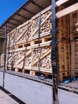 Lemn de foc, brichete/peleţi, deşeuri lemnoase - Vand Lemn De Foc Despicat Carpen, Stejar, Plop Tremurător