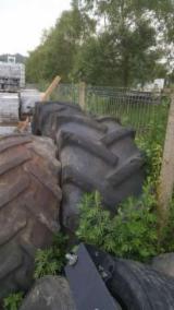 Oprema Za Šumu I Žetvu Zglobni Tegljač - Zglobni Tegljač John Deere Polovna Rumunija
