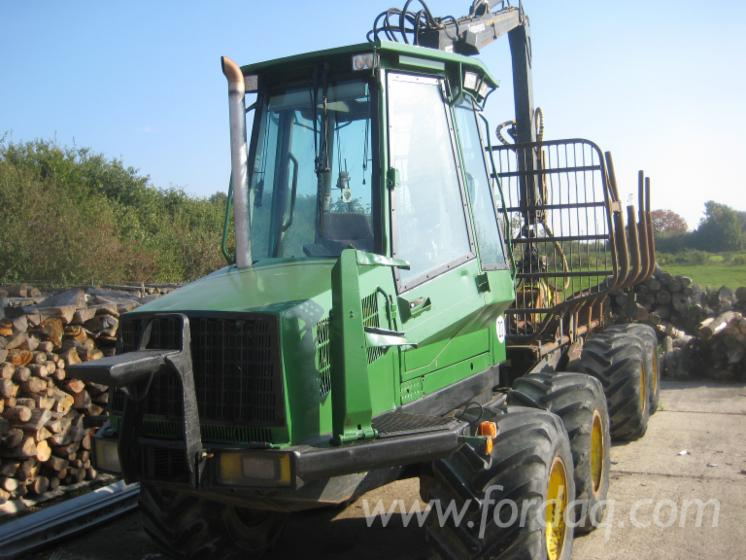 Used-Timberjack-810-B-2000-Forwarder