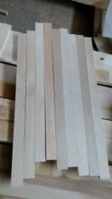 Hardwood Timber - Sawn Timber - KD Birch Strips 22 mm