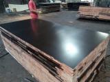 China Supplies - Meranti Brown Film Faced Plywood