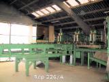 Finden Sie Holzlieferanten auf Fordaq - Gebraucht RENNEPONT - M1TB  2010 Kistenfertigungssanlage Zu Verkaufen Frankreich