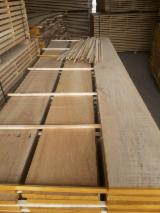 Hardwood  Unedged Timber - Flitches - Boules - Oak Half-Edged Boards 26 mm