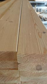 Latvia Sawn Timber - Pine / Spruce CLS Planed Timber 38;45 mm