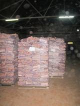 薪炭材-木材剩余物 薪碳材 未开裂原木 - 劈好的薪柴-未劈的薪柴 薪碳材/未开裂原木 桦木, 橡木, 白杨木