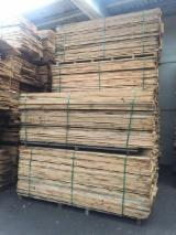 Hardwood  Sawn Timber - Lumber - Planed Timber - 27 mm Oak Planks QF3/4X KD