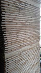 Schnittholz - Besäumtes Holz Zu Verkaufen - Kiefer  - Föhre, 2000 m3 pro Monat