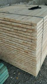 Schnittholz - Besäumtes Holz Zu Verkaufen - Kiefer  - Föhre, Fichte  , 30 - 10000 m3 pro Jahr