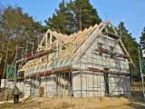 Prefabrykowane więźby dachowe CNC z drewna klejonego KVH / GLULAM