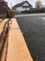 Laubholz  Blockware, Unbesäumtes Holz Zu Verkaufen Kroatien - Loseware, Esche