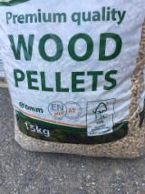 Drewno Opałowe - Odpady Drzewne - Sosna Kalifornijska Pelet Drzewny ENplus Litwa