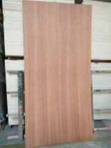 Trouvez tous les produits bois sur Fordaq - Vend Contreplaqué Décoratif (replaqué) Sapelli  2.7; 3; 3.6; 4; 4.5; 6; 8; 9; 12; 15; 18; 21 mm Chine