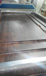门, 中密度纤维板(MDF), 压纹(芯材)
